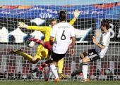 图文:德国0-1塞尔维亚 约万诺维奇抽射