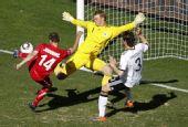 图文:德国0-1塞尔维亚 约万诺维奇精彩破门