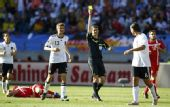 图文:德国0-1塞尔维亚 赫迪拉吃黄牌