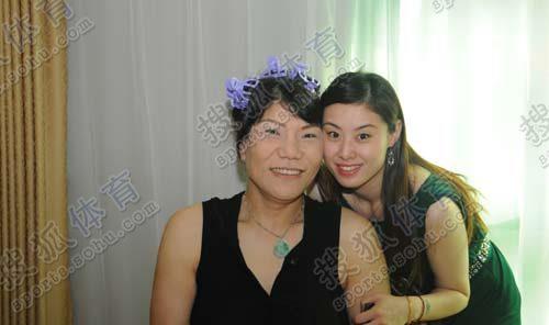 郑海霞在化妆间