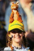 幻灯:澳洲小球迷俏皮可爱 夕阳照映下美轮美奂