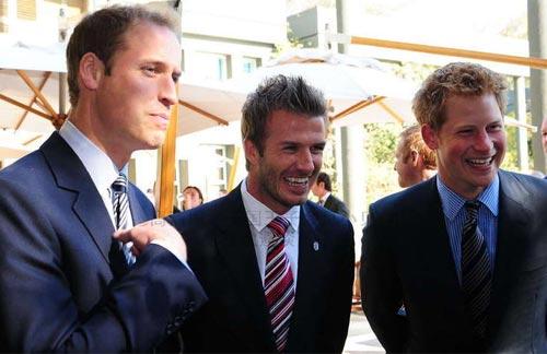 英国王子会见小贝 万人迷帅气力压王室