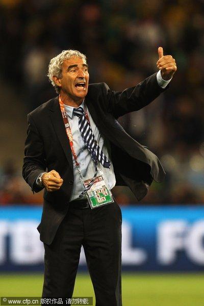 图文:世界杯教练众生相 法国主帅多梅内克