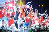 图:第13届上影节颁奖礼表演 中版《歌舞青春》