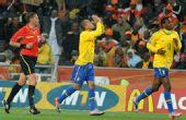 幻灯:巴西3-1科特迪瓦 法比亚诺进球感谢上苍