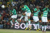 图文:巴西3-1战胜科特迪瓦 德罗巴的头球