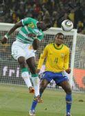 图文:巴西3-1战胜科特迪瓦 高人一等
