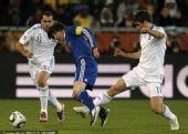 幻灯:B组末轮希腊VS阿根廷 梅西突破遭遇黑脚