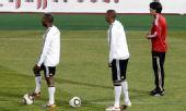图文:德国队积极备战末轮 热身训练