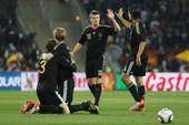 高清图:厄齐尔将功补过怒射救主 德国1-0加纳