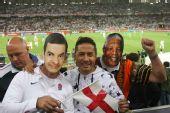 南非世界杯之旅――与搞怪球迷合影