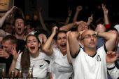 幻灯:新西兰球迷本土观战世界杯 美女激情呐喊