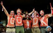 幻灯:日本VS丹麦五大裸男集体上阵 女球迷呐喊
