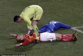 幻灯:洪都拉斯0-0平瑞士 中超悍将赛场险昏厥