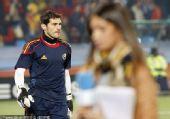 幻灯:西班牙2-1智利精选 卡西与女友形影不离