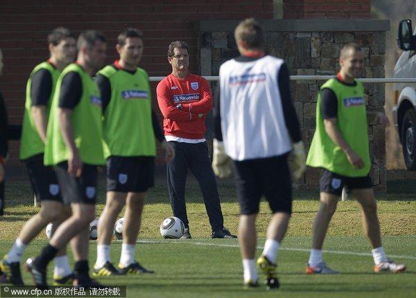 图文:英格兰备战淘汰赛 英格兰队训练中