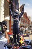 图文:2010年F1欧洲站正赛 维特尔站上赛车