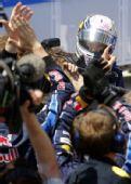 图文:2010年F1欧洲站正赛 媒体关注维特尔