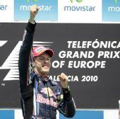 图文:2010年F1欧洲站正赛 维特尔尽情宣泄