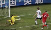 幻灯:1/8决赛德国VS英格兰 穆勒推射梅开二度