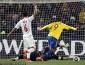 高清图:法比亚诺进球回放 卡卡妙传反越位破门