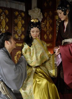有观众认为姚笛演的王熙凤不够泼辣
