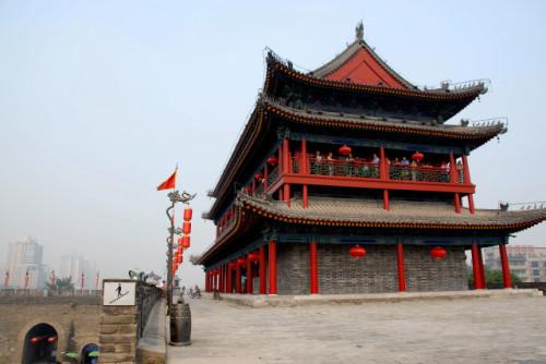 西安投120亿改造古城墙 被质疑本末倒置