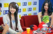 图文:非常天使前三甲做客 吴泽坤笑容甜美