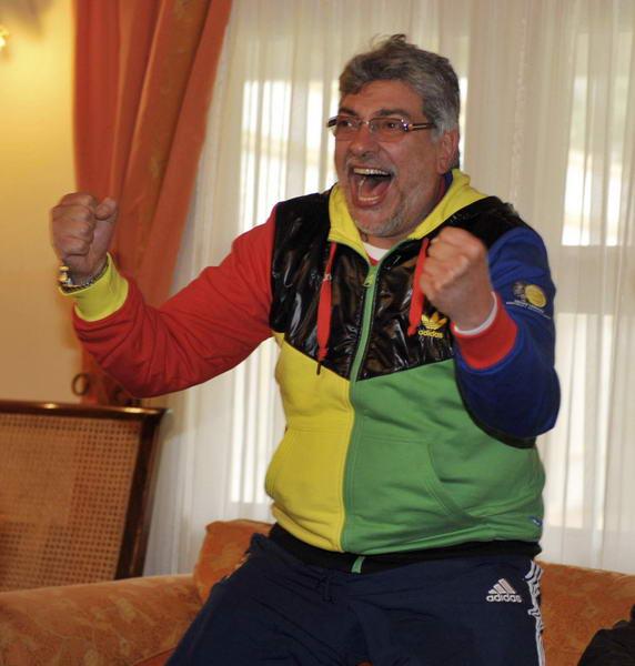 巴拉圭总统卢戈很兴奋
