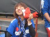 幻灯:巴拉圭VS日本赛前球迷 搜狐狐狸亲吻美女