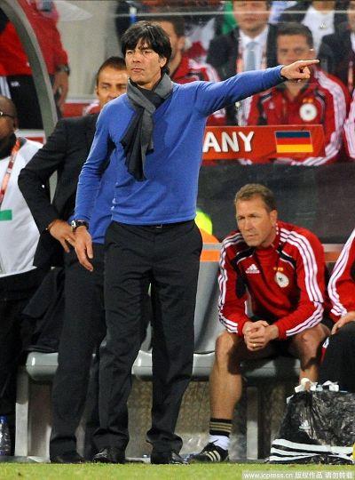 图文:德国取胜有玄机 往那边走!
