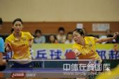 图文:乒超女团北京4-1江苏 李佳薇回球瞬间