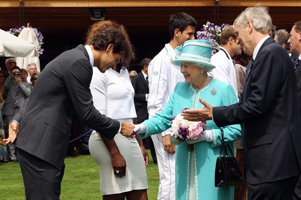 英女王接见网坛群星