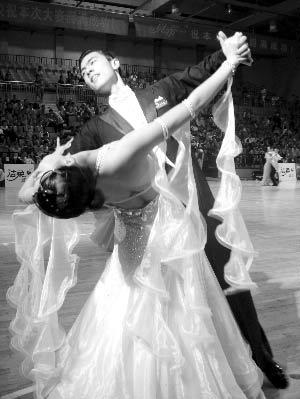 中国体育舞蹈公开系列赛武汉站比赛