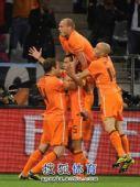 图文:荷兰队胜乌拉圭进决赛 荷兰队庆祝