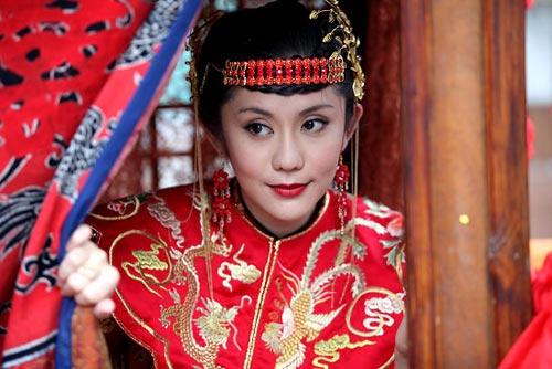 王宇婕花轿中美艳动人