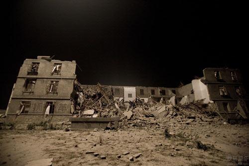 图:电影《唐山大地震》地震前后场景图-6