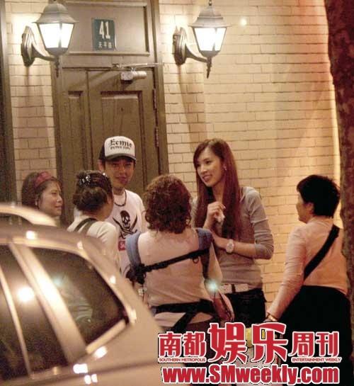 去年10月,林志颖在35岁生日会上承认已与模特陈若仪