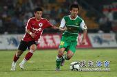 图文:[中超]北京3-0辽足 黄博文组织进攻