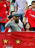 图文:[中超]北京3-0辽足 知名球迷老红军