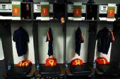 幻灯:德国VS西班牙大战将打响 赛前更衣室揭秘