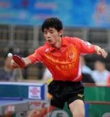 图文:乒超山东鲁能胜锦州银行 张继科在比赛中