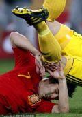 幻灯;德西战比利亚遭对手爆头 阿隆索带球突破