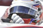 图文:F1英国大奖赛正赛 小林等待发车