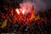 幻灯:全球西班牙球迷助威球队 放烟花庆祝夺冠