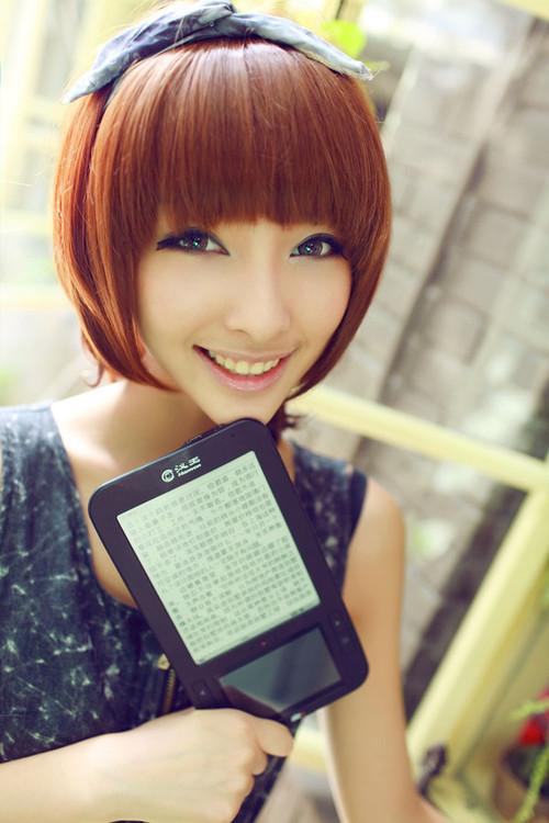 双屏机型 汉王电纸书 T61模特图赏