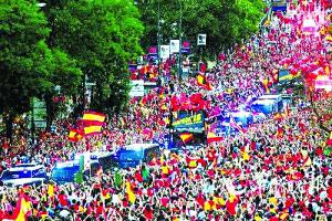 马德里成为欢乐的海洋