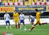 图文:[中超]陕西VS上海 曲波命中点球