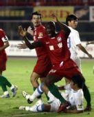 图文:[中超]河南VS金德 奥比庆祝进球