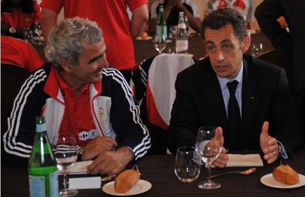 法国《快报》:罢训后,萨科奇可能通过电话挽留多梅内克